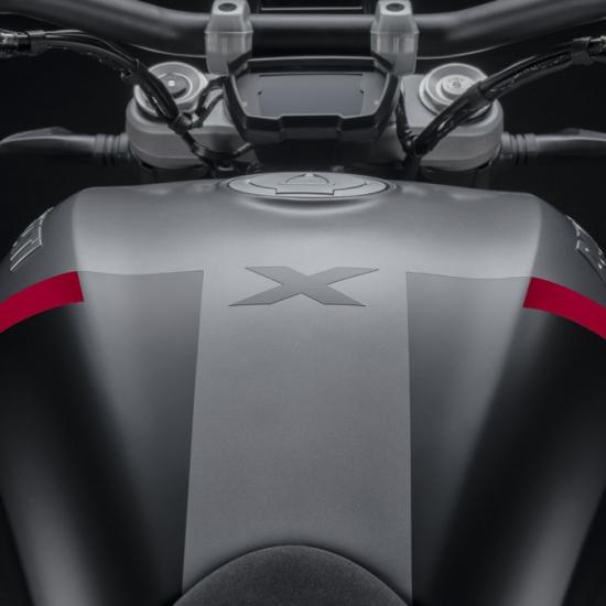 X Diavel Black Star